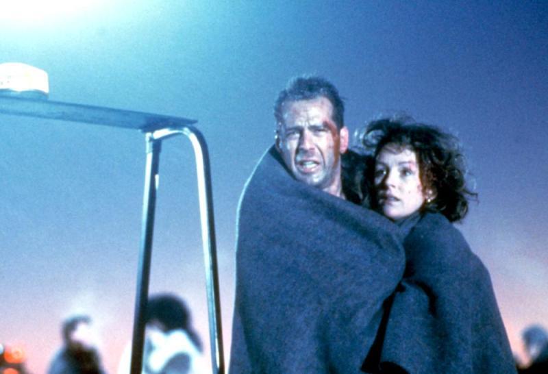 Die Hard 2 John and Holly